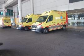 Cinco heridos en una colisión frontal entre dos turismos en la autopista de Andratx