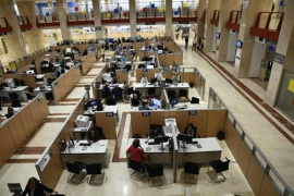 El Gobierno convoca 8.102 plazas de oferta de empleo público