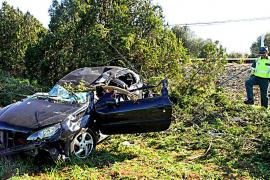 Un herido tras  volcar su coche en la carretera de Manacor a Porto Cristo