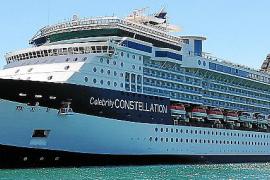 Cinco cruceros y 15.000 turistas en tránsito en Palma