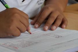 La verdad sobre la agresión de una profesora a una niña por dibujar una bandera de España