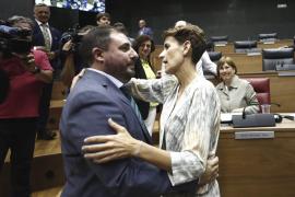 Los socialistas dan la presidencia del Parlamento navarro a Geroa Bai