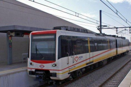 Paralizado el servicio del Metro de Palma al fallecer un pasajero por un infarto