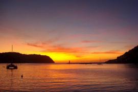 Un recorrido en catamarán al atardecer en Baleares, una de «las mejores experiencias turísticas» a nivel mundial