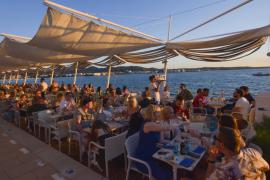 Café del Mar cumple 39 años poniendo ritmo a la puesta de sol ibicenca