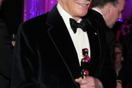 """Plummer, winner of best supporting actor award for his role in """"Beginners"""", arrives at Governors Ball in Hollywood"""