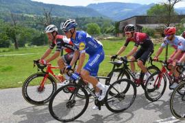 Lluís Mas ataca y Enric Mas se posiciona en la Vuelta a Suiza
