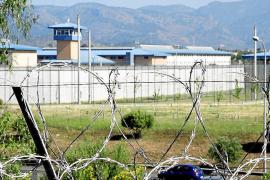 Condenado un preso por agredir a dos funcionarios de la cárcel de Palma