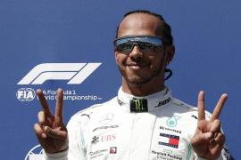 Hamilton suma otra 'pole' y Sainz saldrá sexto en Francia