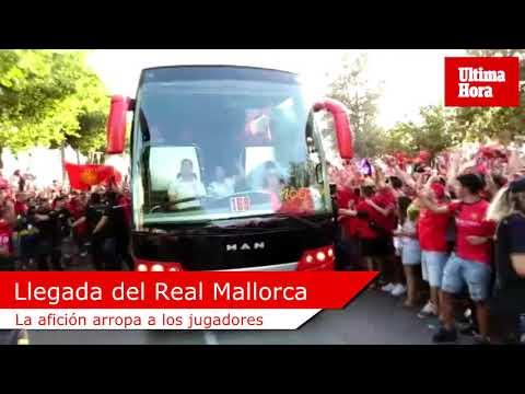 Espectacular recibimiento al Real Mallorca en Son Moix