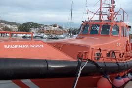 Rescatan a los nueve tripulantes de un yate incendiado al sur de Mallorca