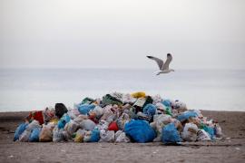 La otra cara de la noche de San Juan: 12 toneladas de basura en Palma