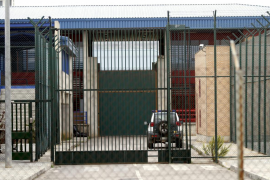 Un preso de la prisión de Palma prende fuego al colchón de su celda