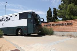Los nueve presos independentistas ingresan en cárceles catalanas