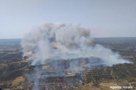Un incendio en Tarragona afecta a unas 2.500 hectáreas y obliga a evacuar varias masías