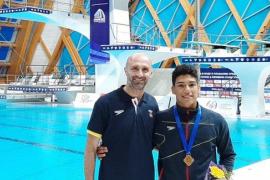 Adrián Abadía, oro en el Europeo júnior de saltos