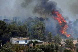 El incendio en Ribera d'Ebre está descontrolado y llega ya a las 6.500 hectáreas