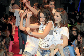 Desfile pro viaje de estudios del colegio La Salle en el Pueblo Español