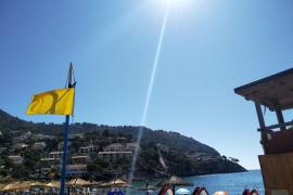 Bandera amarilla en la playa de Canyamel de forma indefinida
