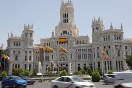Bandera el Orgullo en el ayuntamiento de Madrid.