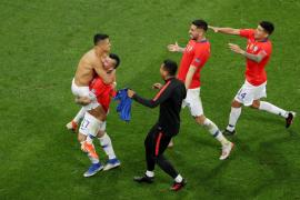 Chile se sobrepone al VAR y pasa a semis en los penaltis