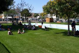 El Ajuntament de Calvià abre al público un parque de chorros de agua en Son Ferrer