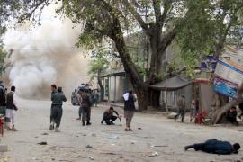 Al menos 11 muertos y 65 heridos tras una potente explosión y un tiroteo en Kabul