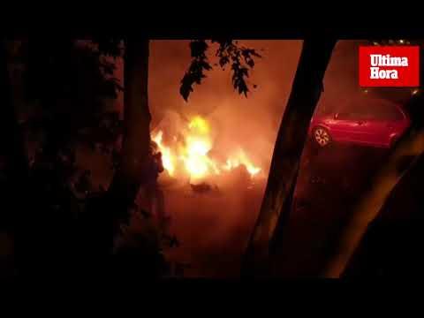 Unos vecinos evitan que el fuego de unos contenedores se propague