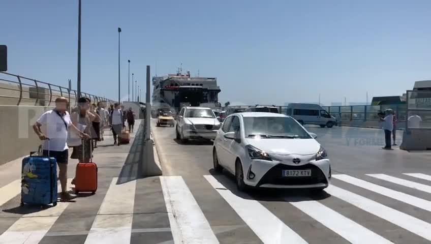 Los turistas extranjeros todavía desconocen las restricciones de tráfico en Formentera