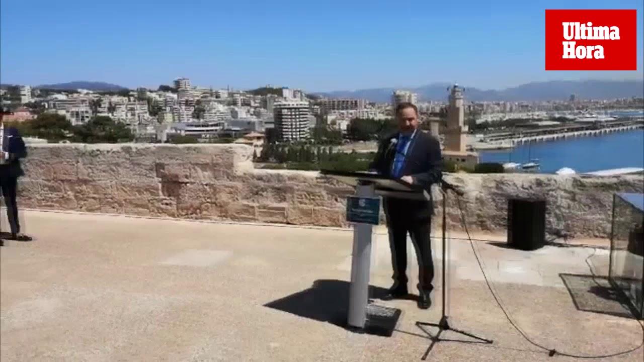 Toques de bocina en el puerto de Palma por el Día Mundial de las Ayudas a la Navegación Marítima