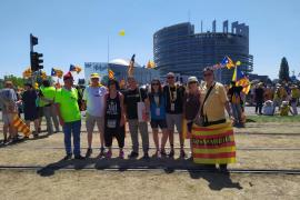 Una treintena de mallorquines se desplaza hasta Estrasburgo en defensa del independentismo