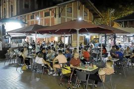 Los restauradores de s'Escorxador se quejan de la ordenanza de terrazas