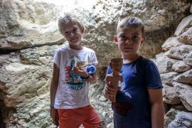 El taller de arqueología organizado por el Museu Monogràfic de Puig des Molins, en imágenes (Fotos: Daniel Espinosa).