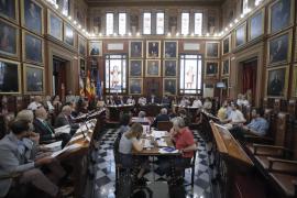 La oposición vota en contra de la subida de sueldos en Cort por ser «poco estética»