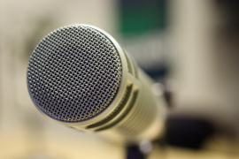 Una radio marroquí suspende 3 días a un locutor que «mandó a una mujer a la cocina»