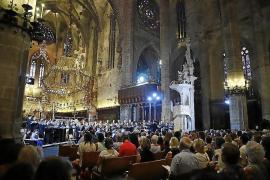 Más de 200 voces suenan en el recital participativo de La Caixa en la Seu