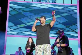 El Reggaeton Festival hace 'perrear' a miles de jóvenes en el Coliseo Balear