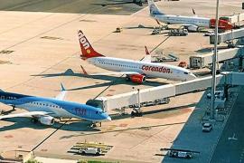 El movimiento de aviones en Son Sant Joan caerá un 8 % de julio a septiembre