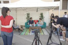 Refugiados en Mallorca cuentan su experiencia en unas entrevistas a pie de calle