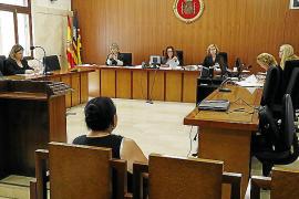 Condenada a pagar 360 euros por intentar estafar al seguro