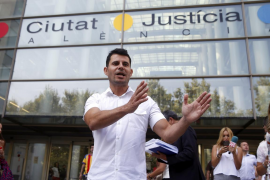Julio Iglesias es padre de Javier Sánchez Santos