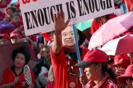100.000 'camisas rojas' dan un ultimátum al Gobierno de Tailandia