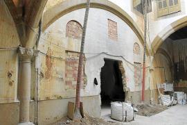 El Balaguer 'se suspende' en el aire para devolverle los arcos al patio