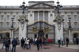Detenido por trepar las rejas del palacio de Buckingham