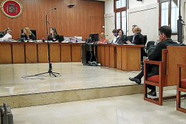 Cuatro acusados por estafar hace dos décadas 1,5 millones de euros