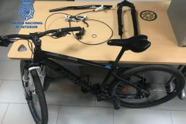 Tres menores detenidos por robar dos bicicletas valoradas en casi 2.000 euros