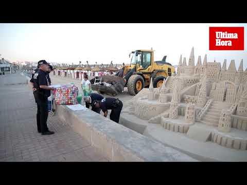 La Policía retira cinco castillos de arena de la Platja de Palma por «riesgo higiénico»