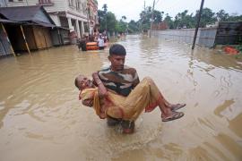 Unos 40 atrapados por el derrumbe de un edificio en la India