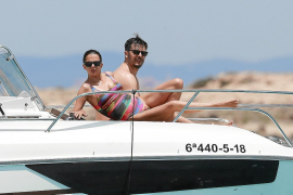 Macarena Gómez y Aldo Comas pasan unos días de desconexión en Ibiza