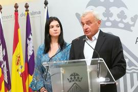 La oposición califica de «plan de adoctrinamiento» que Cort impulse el catalán en los barrios obreros